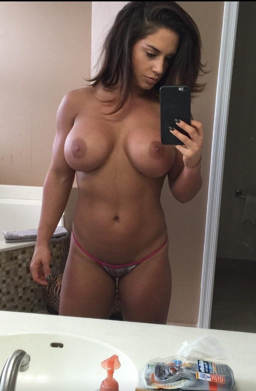 Naked Tanned Selfie