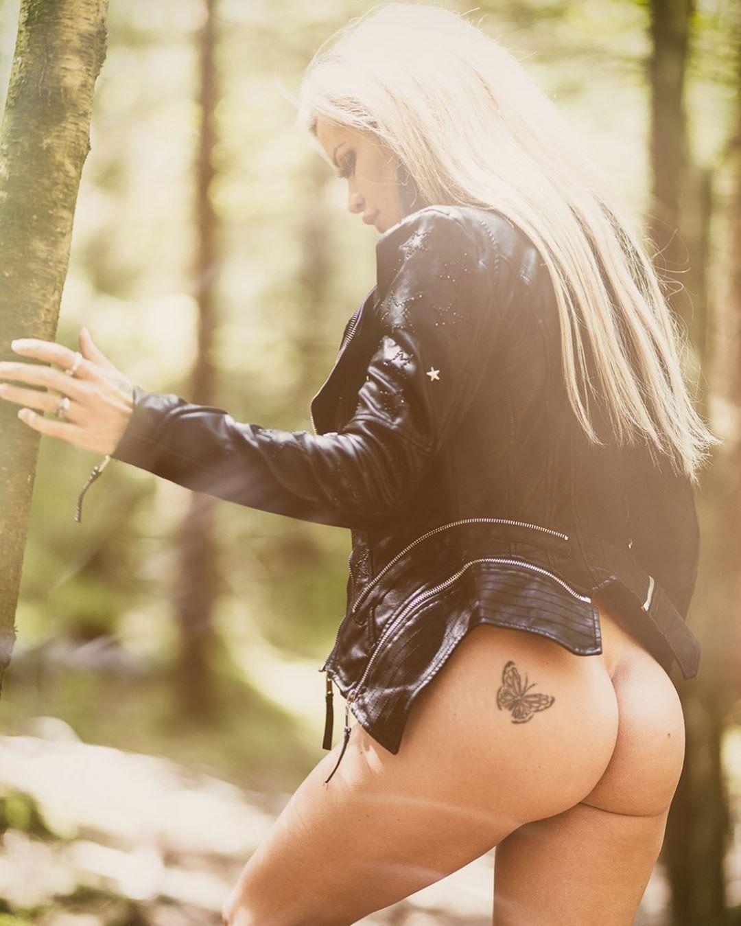 Nude Ass!!