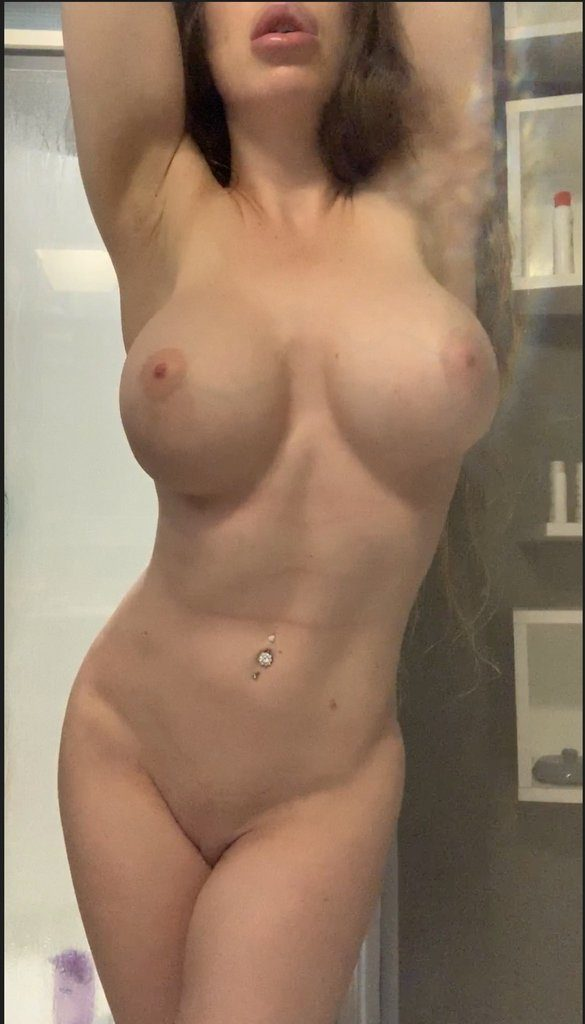 Bianca Burke /u/sparklebunneh