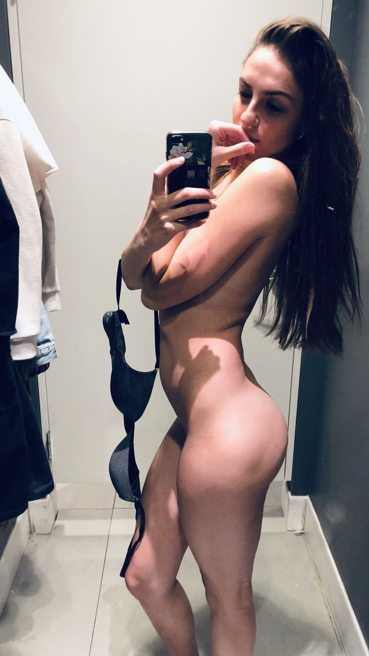 Changing Room Nude? Not A Big Deal For Me