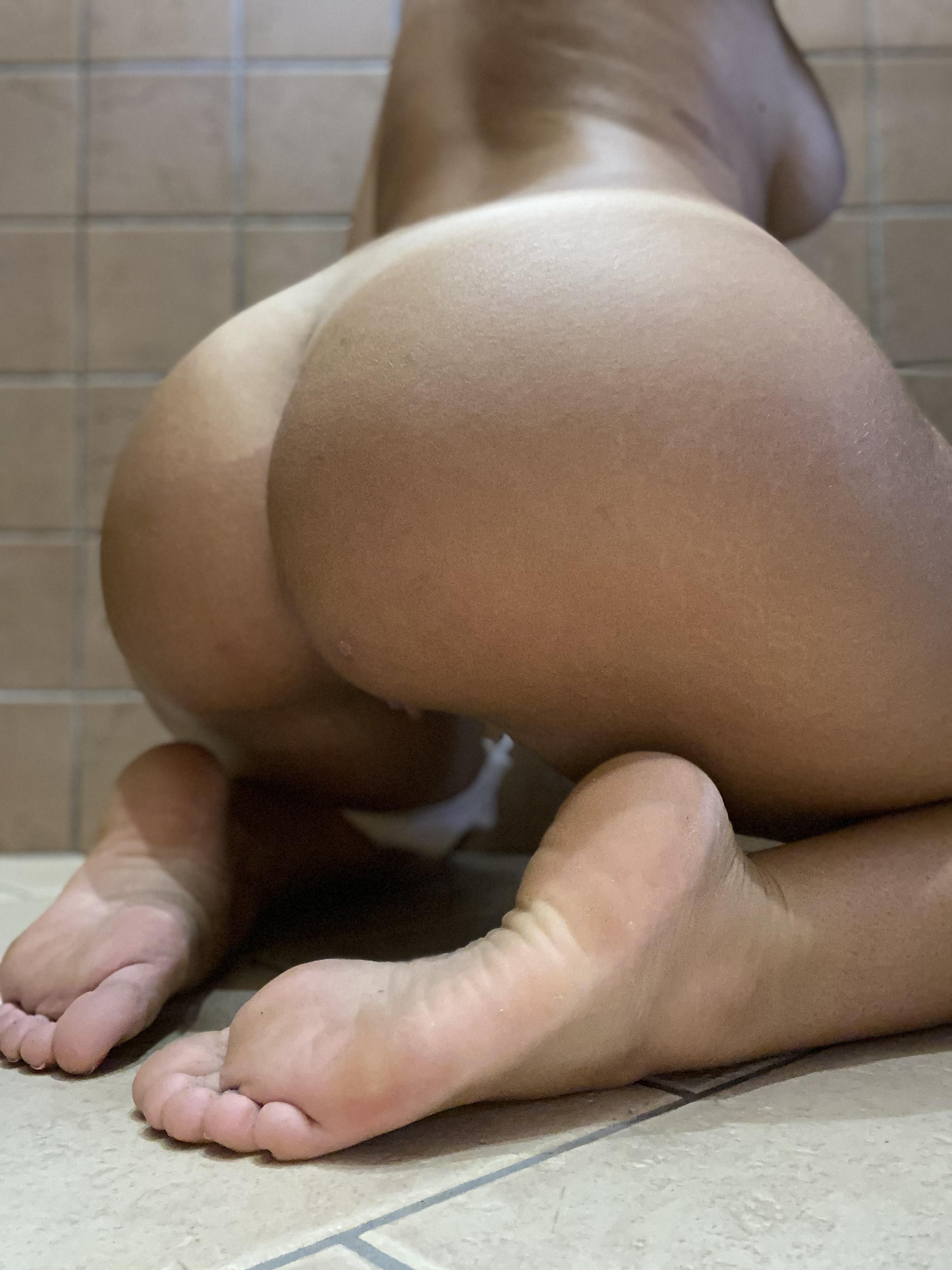 Good Morning, Here's My Bum ?