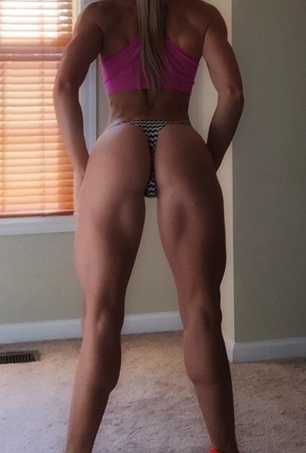 Who Loves Muscular Legs??