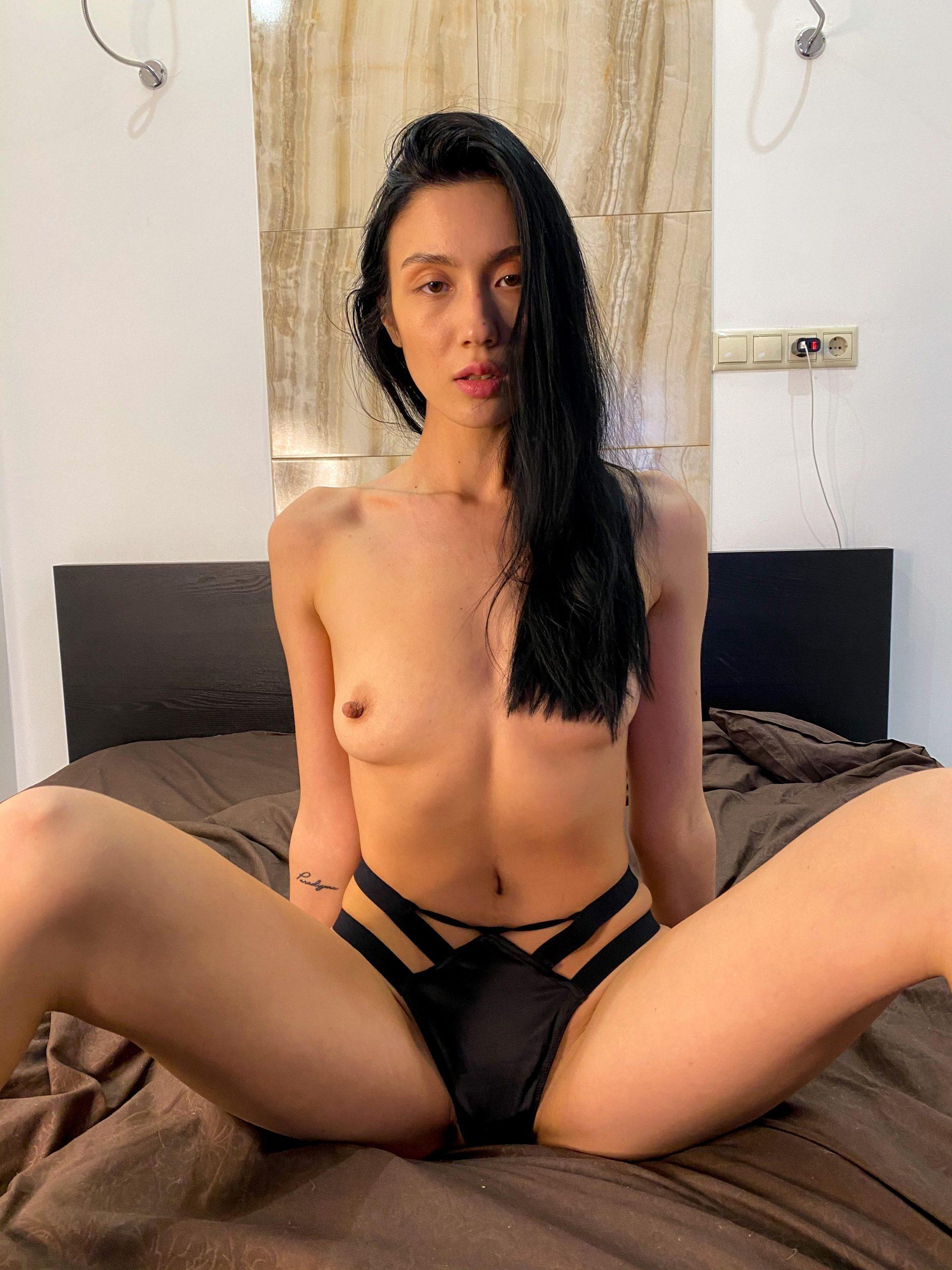 Do You Like Girls With A Booty Like Mine?