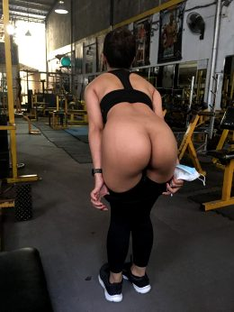 A Quick FLASH In The GYM While No One Is Looking Seems To Be In Order…what Do YOU Think Guys…? ☺️💦😉💋