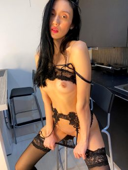 Anybody Here Appreciate A Simple Nude?