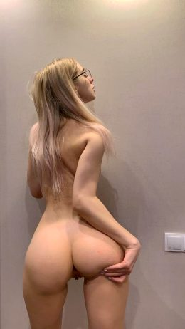 Are Fit&sexy Blondies With Naughty Thoughts Your Type?🍒