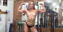 Denise Flexes Her Beautiful Naturals ???❤️