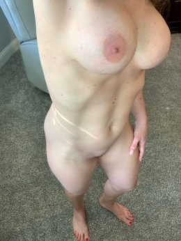 Do You Like A Fit Naked Mom?