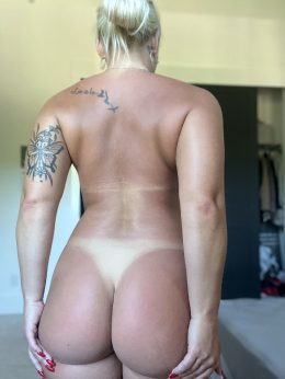 Do You Like My Tan Lines Daddy? 😘💕