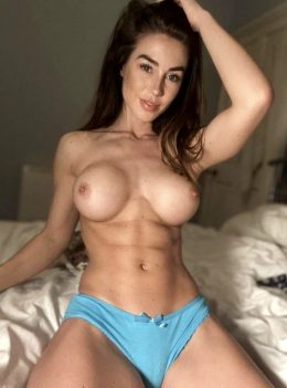 Fit Body & Perfect Tits ?
