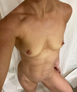 Fit Naked Milf Hotwife