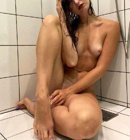 Fit Naked Slut In Shower 😊