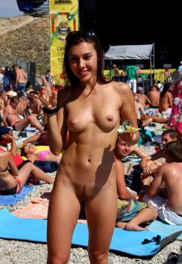 Fit Nudist Babe