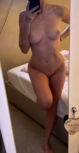 Hiii, Enjoy My Naked Body