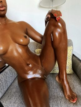 I Love This Nude Pic Of My Body. What About You?