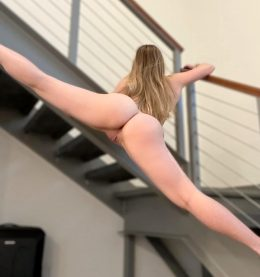 I'm A Gymnast, Can You Tell? 😋