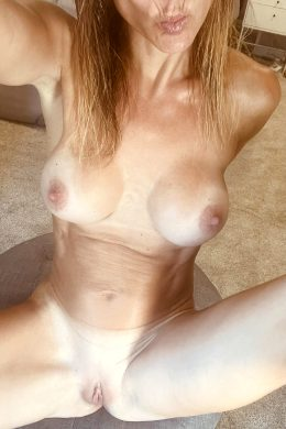 I'm Not Sure What The Question Was, But Sex Is Always The Answer😉…..45 Female