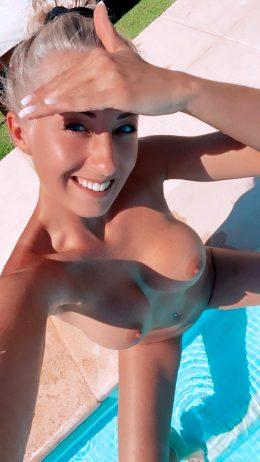 Leonie Pur Enjoy Your Weekend Guys ?