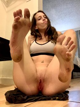 My Feet And Pussy Are Beat.. Now.. Clean Me Up, I Want Every Inch Of Me Glistening! ?