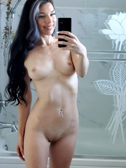 Petite 31 Year Old, Been In The Gym The Last Year But A Dancer My Whole Life !