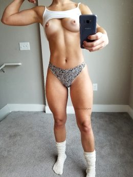 Wanna Pump Iron With Me? And By Iron I Really Mean My Pussy ?