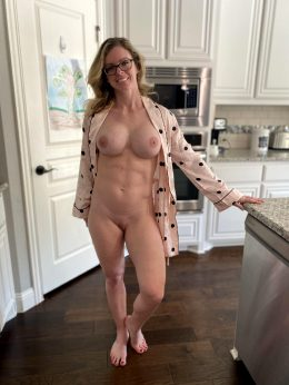 Want To Fuck Me On The Kitchen Counter?