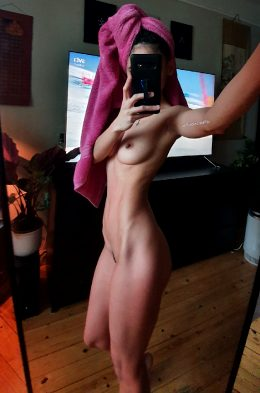After Shower Milf Nude✌32