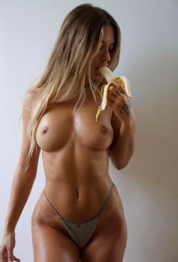 Can You Think Of Something Else She Should Eat? 🍌 👀
