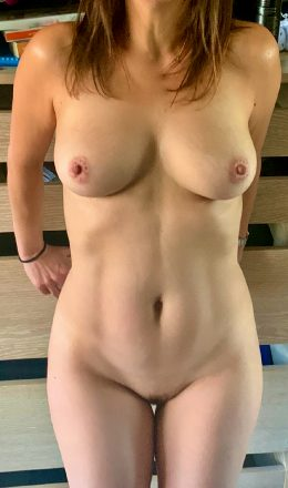 Littlemissme10 – Damn Hot