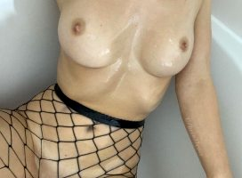Oil And Fishnets ?