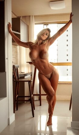 Vanessa Vailatti – Absolutely Ridiculous