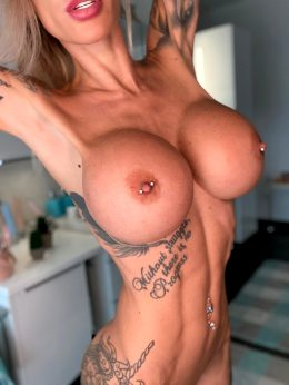 Who Like Fit Tattooed Girls With Big Boobs? Then You Must Join Me ?